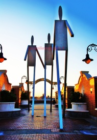 South Street Statues